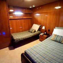 Zenith Yacht Twin Stateroom