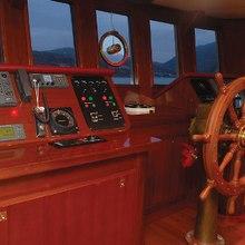 Ariete Primo Yacht Wheelhouse