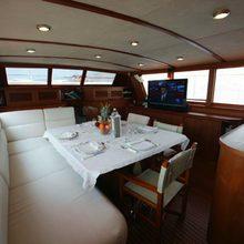 C5 Yacht