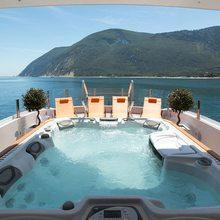 Saint Yacht