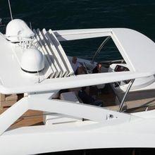 X Crystal X Yacht