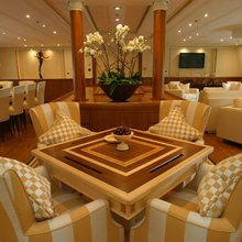M5 Yacht Salon - Table & Chairs