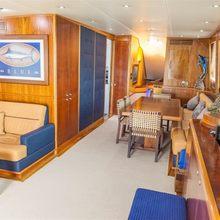 Oh My God Yacht