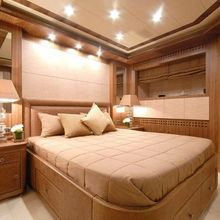 Force India Yacht Double Stateroom - Side