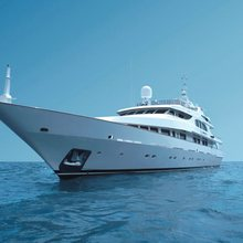 Il Sole Yacht Front View