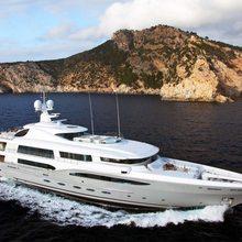 Ventum Maris Yacht Side View
