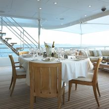 Harle Yacht Aft Deck Dining