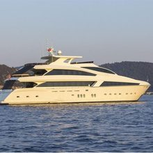 Skylight Yacht