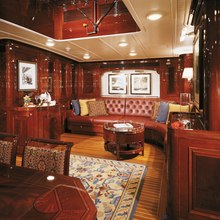 Ranger Yacht Salon & Dining