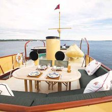 Enticer Yacht