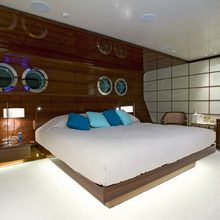 Dragonfly Yacht Stateroom