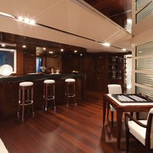Vision Yacht Bar