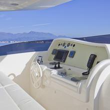 Juna Yacht