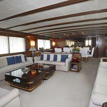 El Caran Yacht Main Salon