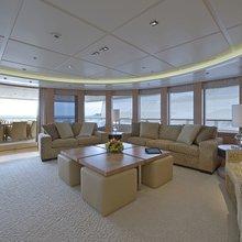 Huntress Yacht Open Lounge - Seating