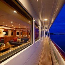 Rena Yacht Side Terrace