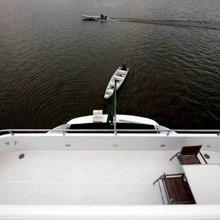 Zenith Yacht Stern