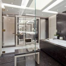 Mogambo Yacht Private Bathroom
