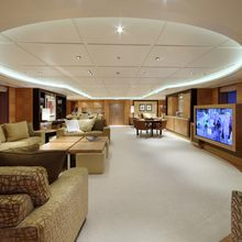 Huntress Yacht Bar Seating