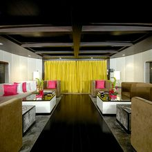 Slo Mo Shun Yacht Main Saloon - Overview