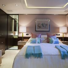 4YOU Yacht Guest Stateroom - Bed