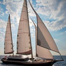 Infinity Yacht Full Sail