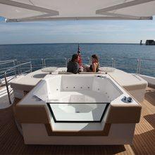 Regulus Yacht Jacuzzi