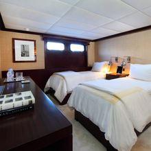 Tugatsu Yacht Twin Stateroom