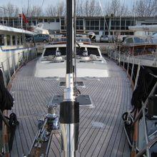 Adjutor Yacht