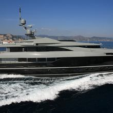 Nonni II Yacht Underway