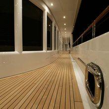 Huntress Yacht Terrace - Night