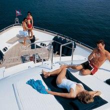 Hunter Yacht