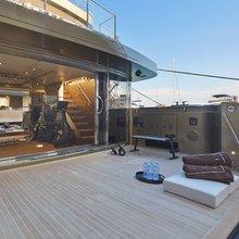Apries W Yacht