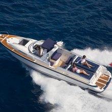 Leander G Yacht Running Shot - Tender