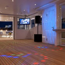 Huntress Yacht Disco