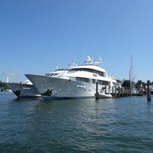 Azucar Yacht