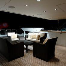 Nina Lu Yacht Exterior Seating & Bar