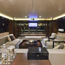 Infinity Yacht Salon - Screen
