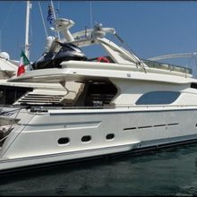 R Many Yacht