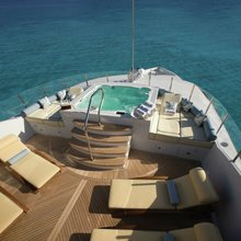 Reef Chief Yacht Jacuzzi