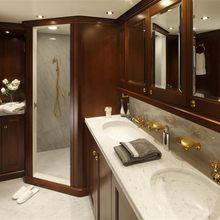 Sea Eagle Yacht Master stateroom - Shower
