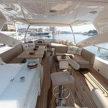 Forward Unlimited Yacht