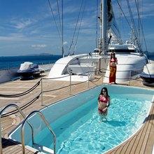 M5 Yacht Swimming Pool