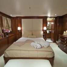 You & Me Yacht Queen Stateroom