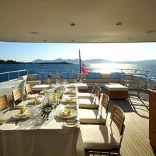 Slo Mo Shun Yacht Bridge Deck Dining