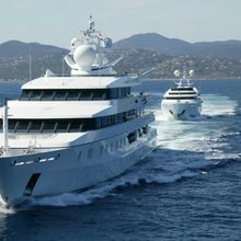 H Yacht Underway
