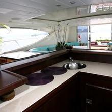 Ultima Beach Yacht