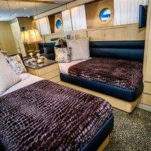 M Yacht