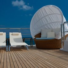 Huntress Yacht Flybridge Seating