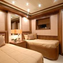 Force India Yacht Twin Stateroom
